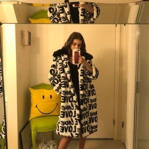 NWT De'Hart Faux Fur Graphic Love Jacket